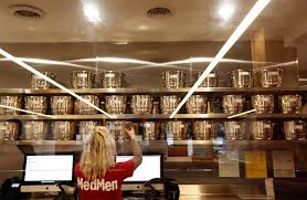 MedMen to Start Trading on Canadian Securities Exchange After Ladera Group Acquisition Goes Through
