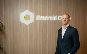 UK: Emerald Clinics signs cannabis RWE contract with Canopy Growth's UK subsidiary Spectrum Biomedical