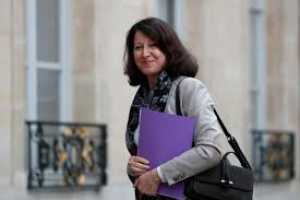 France: Minister Signs Free Medical Cannabis Decree For Patients